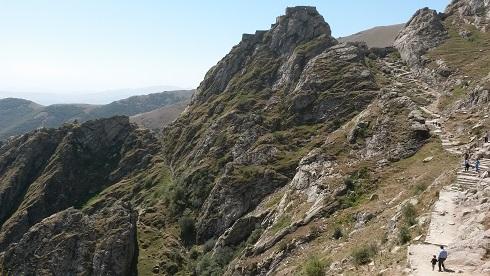 تصویر از مکیدی دره سی و قلعه بابک – کیلبر – آذربایجان شرقی ( شهریور ۱۳۹۳ )