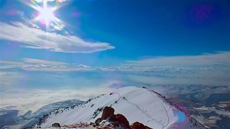تصویر از قله دند – تبریز
