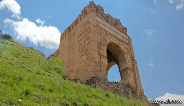 تصویر از قلعه ضحاک هشترود