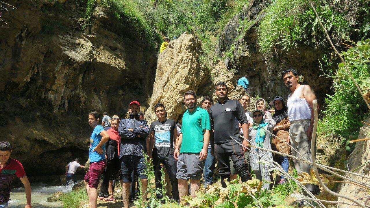 تصویر از برنامه جمعه ۶ مرداد ۱۳۹۶ – آبشار گل آخور ورزقان
