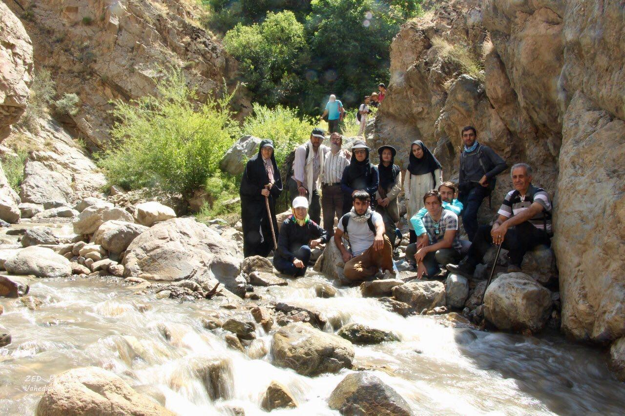تصویر از برنامه جمعه ۲۰ مرداد ۱۳۹۶ – آبشار پیربالا مرند