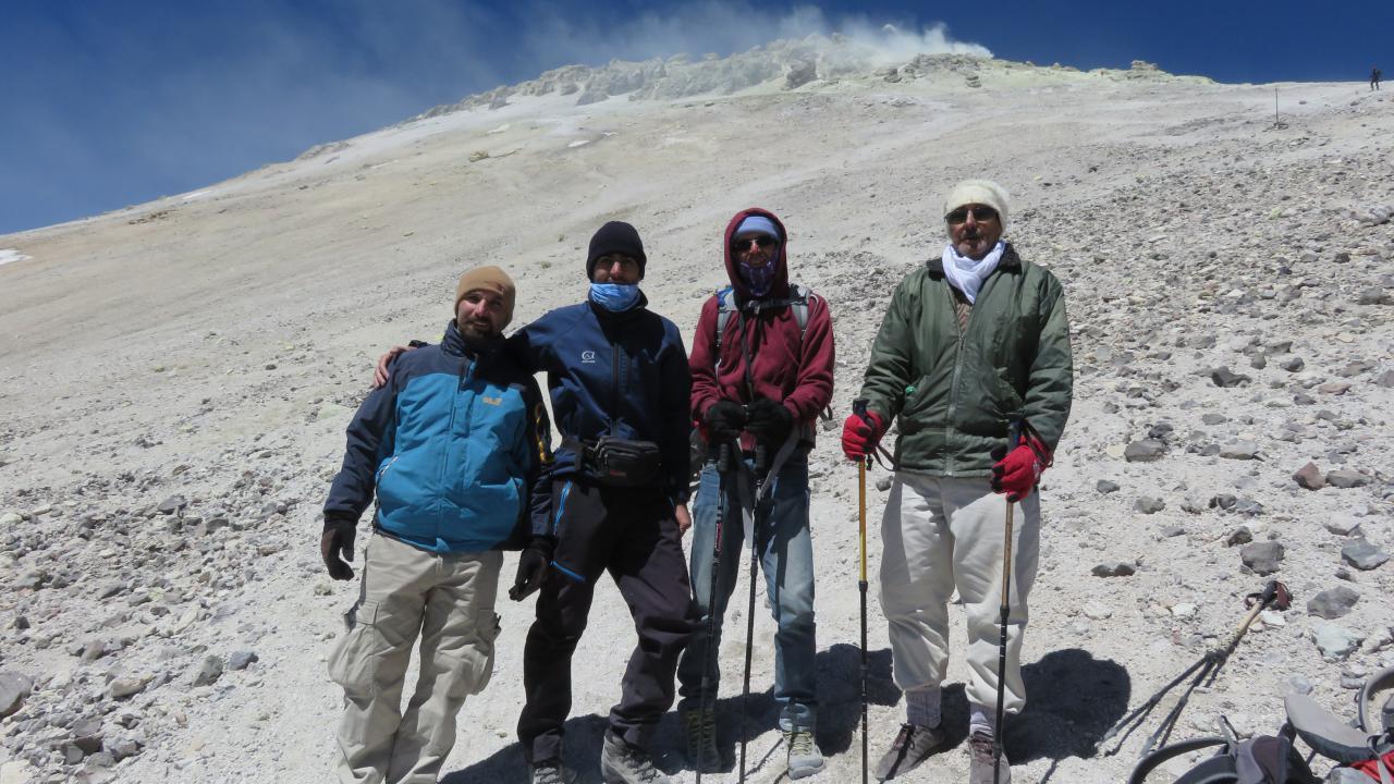 تصویر از برنامه ۲-۳ شهریور ۱۳۹۶ – صعود به قله دماوند