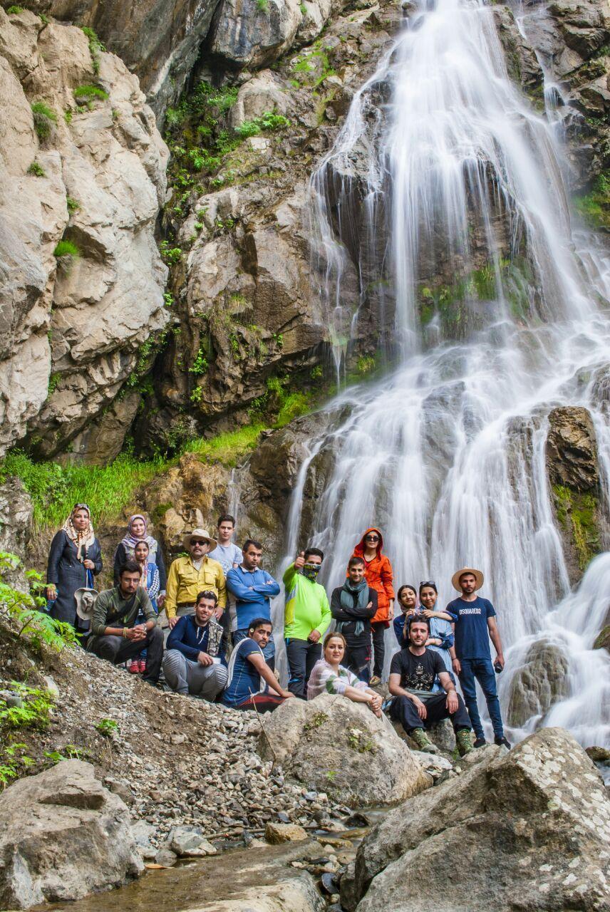 تصویر از برنامه ۲۴ و ۲۵ خرداد آبشار گلوسنگ و کرشان دره سی کلیبر
